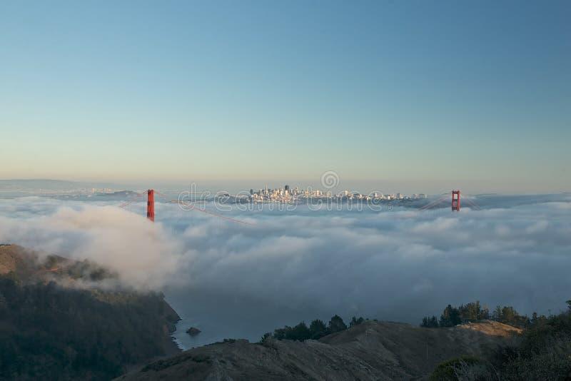 Golden Gate Bridge w mgle obraz royalty free