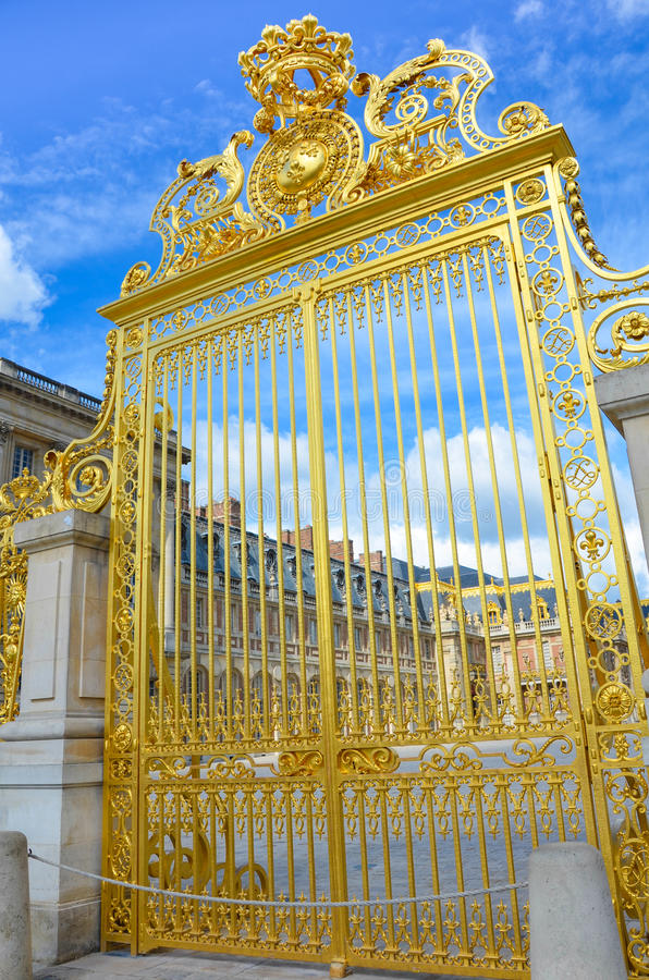 Golden Gate in Chateau DE Versailles stock afbeelding