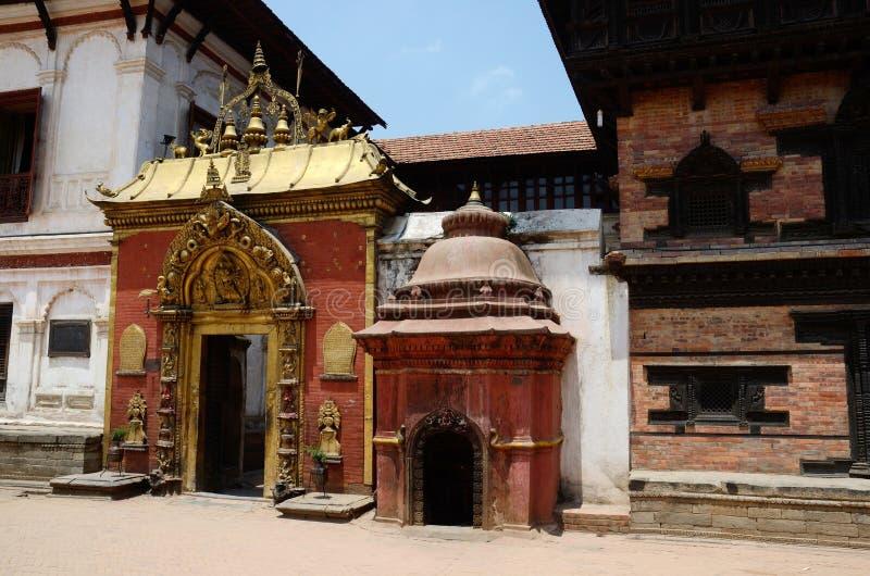 Golden Gate no quadrado de Durbar, Bhaktapur, Kathmandu, Nepal fotos de stock royalty free