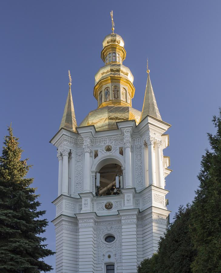 Golden-gewölbter Glockenturm in Pechersk Lavra Kiew, Ukraine lizenzfreies stockbild