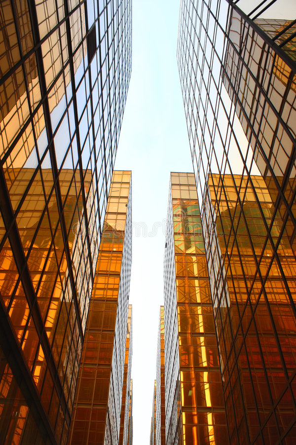 Free Golden Glass Building Royalty Free Stock Photo - 6662315