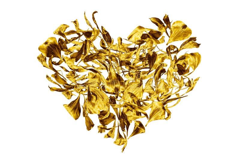 Golden hart gemaakt van bloempitten op een witte achtergrond, geïsoleerd dichtbij, decoratief gouden hartvormig sierbloem, bloemb stock fotografie