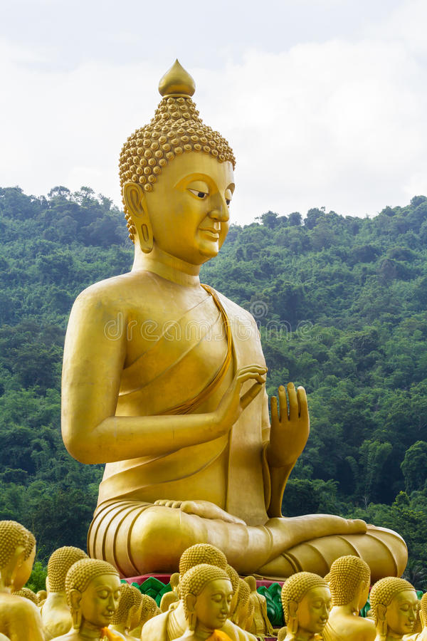 comparison of buddhist and christian monasticism Gnosticism but also entertained buddhists and christians the first  and  teachings, i will discuss each one briefly from three different viewpoints  from  society (as in a monastic life) helps in the process of working out one's.