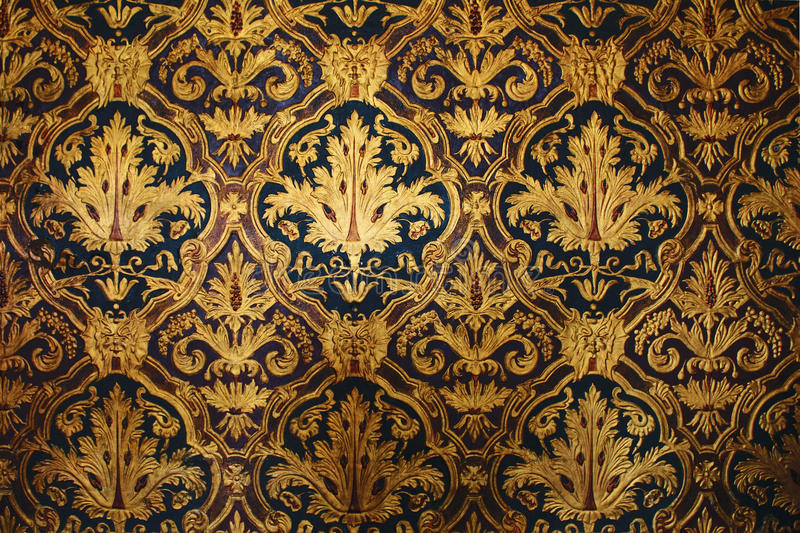 Golden Victorian Wallpaper royalty free stock photography