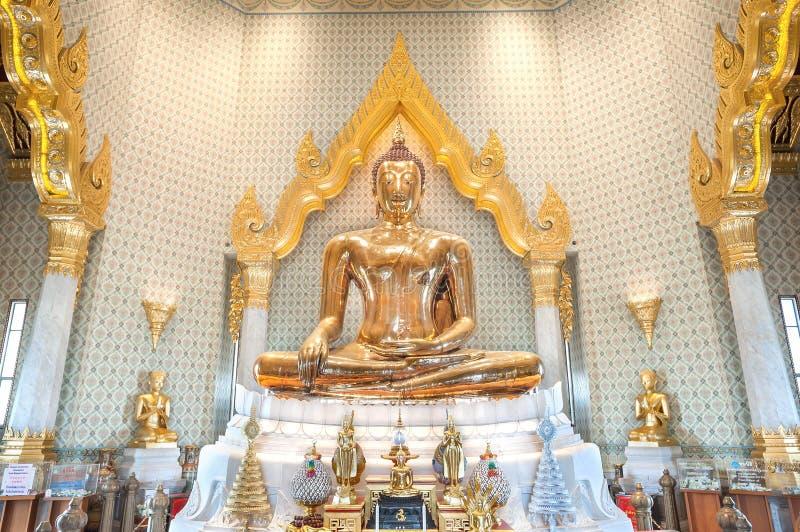 Goldene Buddha-Statue bei Wat Traimit, Bangkok, Thailand lizenzfreie stockbilder