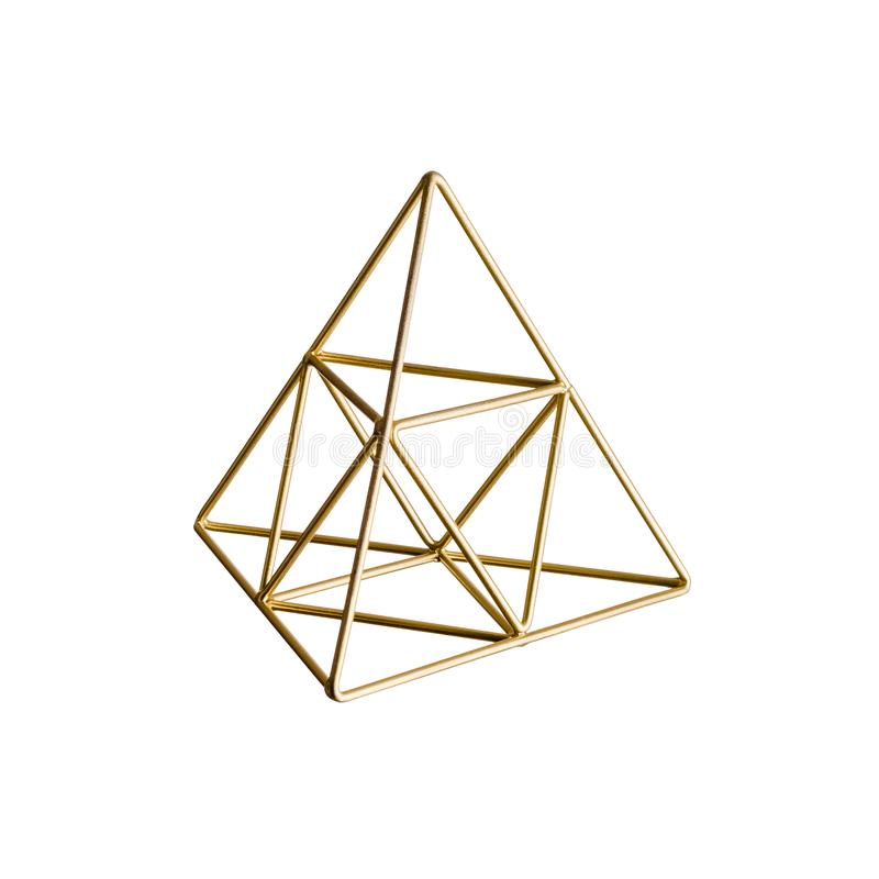 Goldene dreieckige Pyramide auf Weiß lizenzfreie stockfotografie