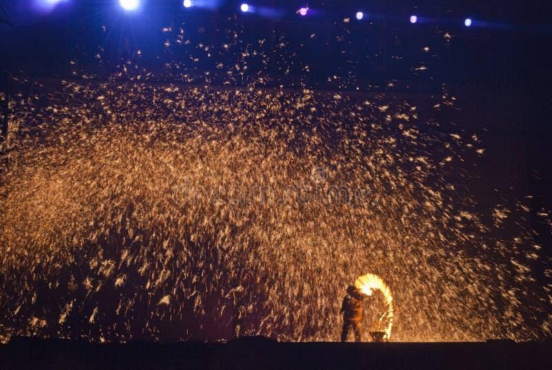 Goldene Flamme lizenzfreie stockbilder