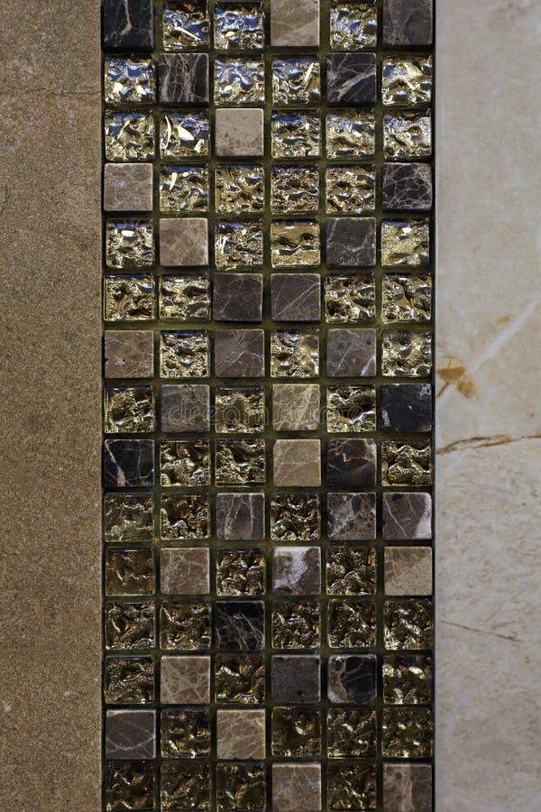 Goldene Fliesen stockbild Bild von metamorph wand