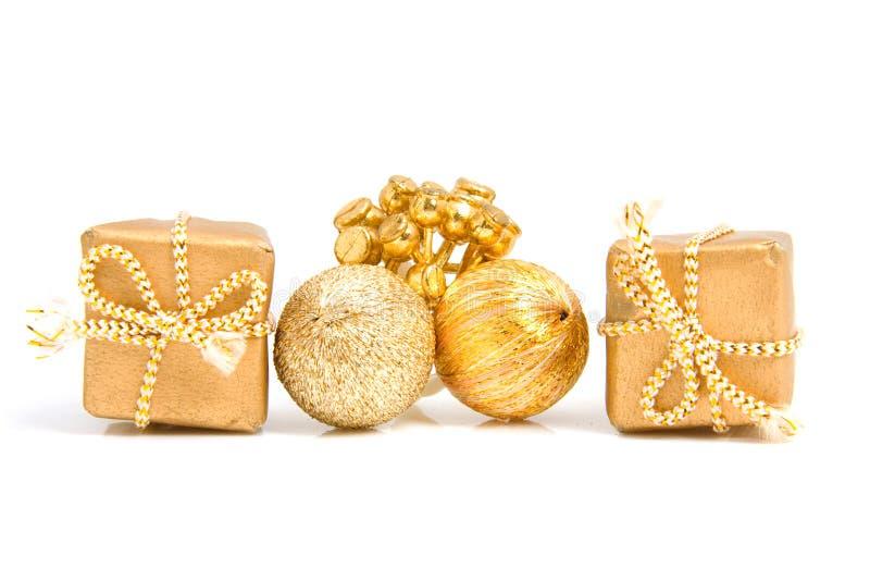 Goldene geschenke und dekoration stockfoto bild von for Dekoration geschenke