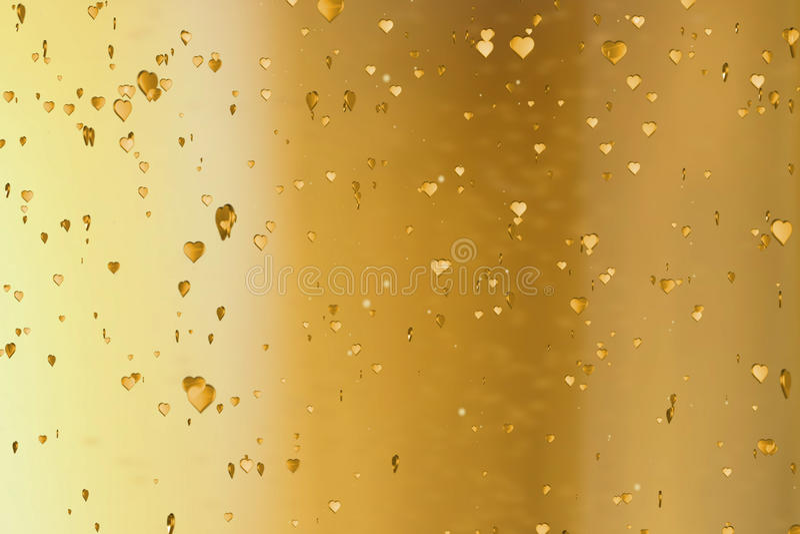 Goldene Herzen des Valentinstags formen Aufstieg wie kräuseln Champagnerblasenbewegung auf Goldhintergrund, festliches lov Valent lizenzfreie abbildung