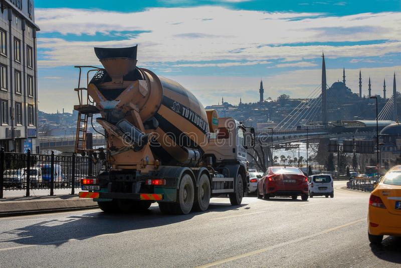 Goldene Horn-Metro-Stations-Brücken-Moscheen Istanbul lizenzfreie stockfotografie