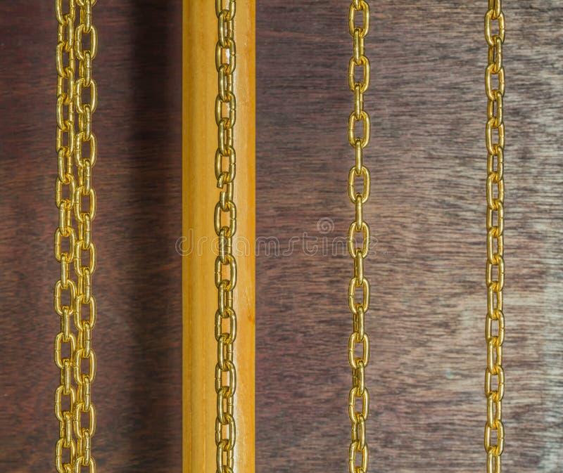 Goldene Ketten stockfoto