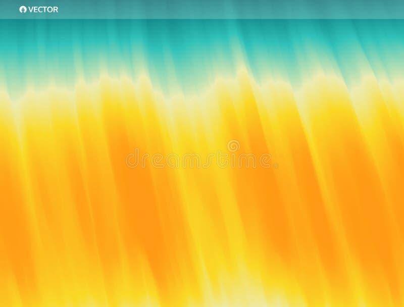 Goldene Kräuselungen im Wasser Welle von Ozean auf dem sandigen Strand Feld des grünen Grases gegen einen blauen Himmel mit wispy stock abbildung