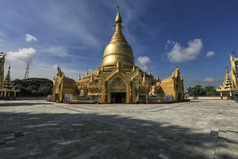 Goldene Pagode in Rangun, Myanmar stockfotos