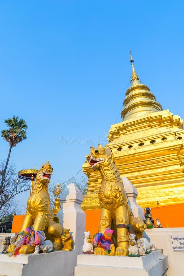 Goldene Pagode in Wat Phra That Sri Jomthong in Chiangmai stockfotos