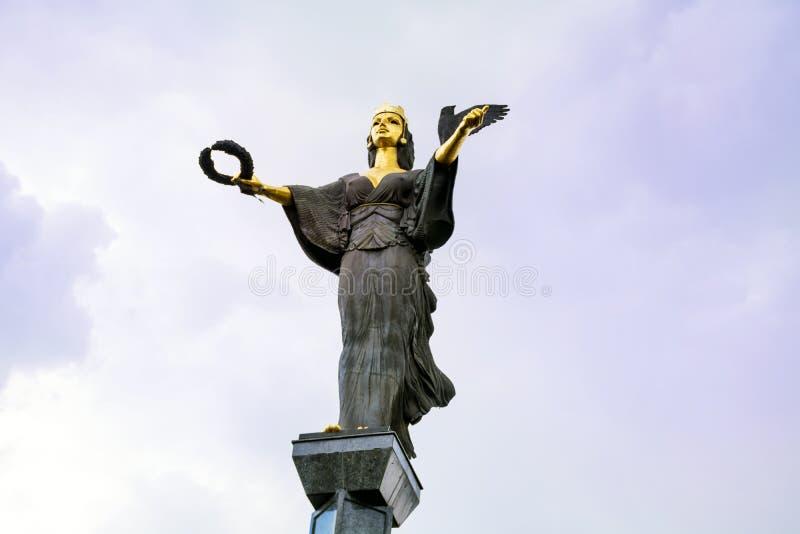 Goldene Statue von St Sofia in Sofia, Bulgarien stockfotografie