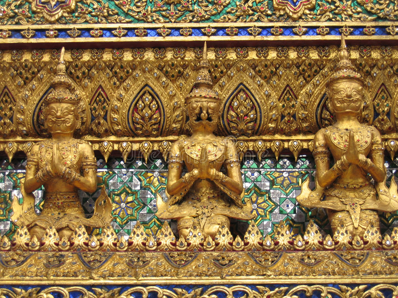 Goldene Statuen lizenzfreies stockbild