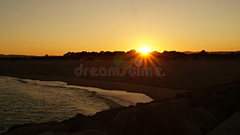 Goldene Stunde auf Tavira-Insel lizenzfreie stockbilder