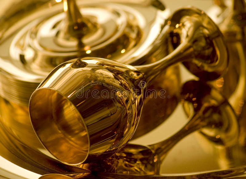 Goldener Becher Stockfotos