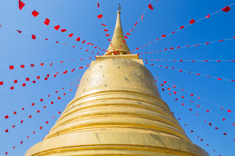 Goldener Berg (phu khao Zapfen) stockfoto