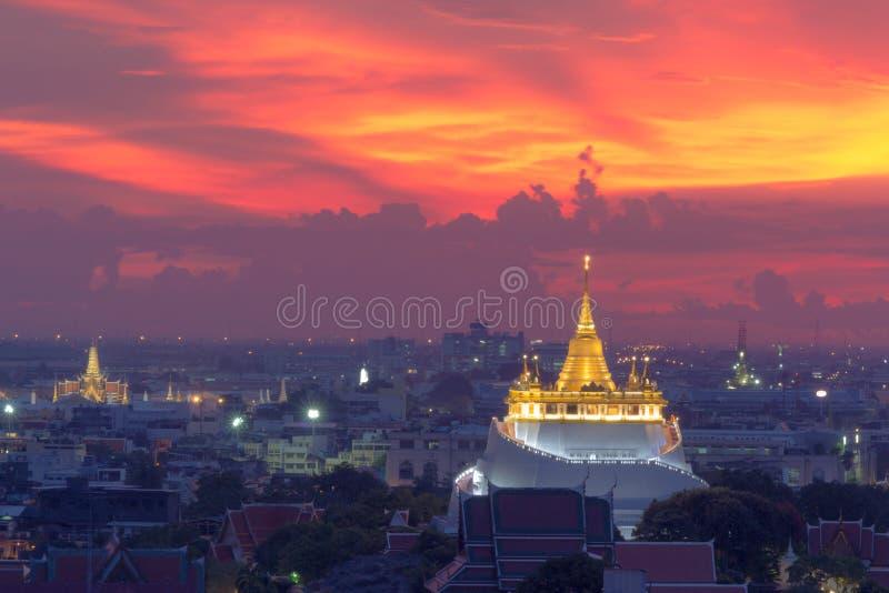 Goldener Berg-Tempel der meiste Reise Markstein lizenzfreies stockfoto