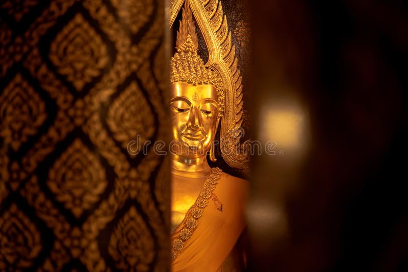 Goldener Buddha Buddha Chinnarat in Tempel phitsanulok, Thailand lizenzfreie stockbilder