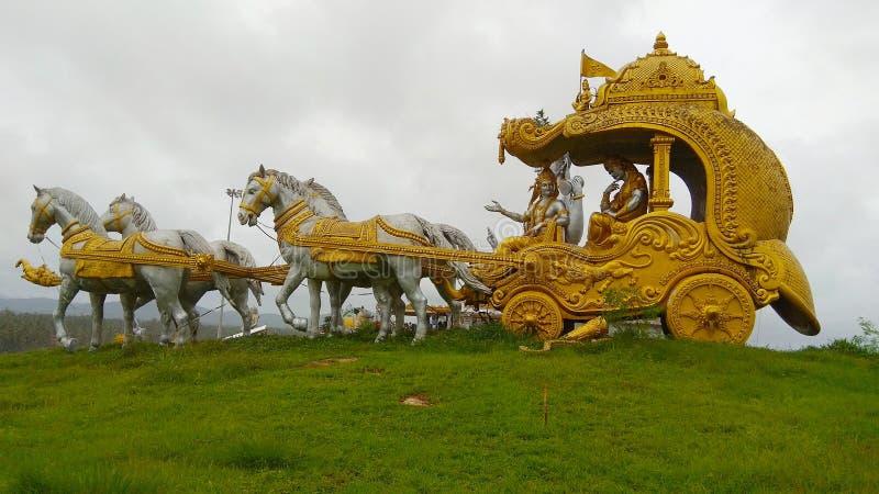 Goldener Kampfwagen stockbilder