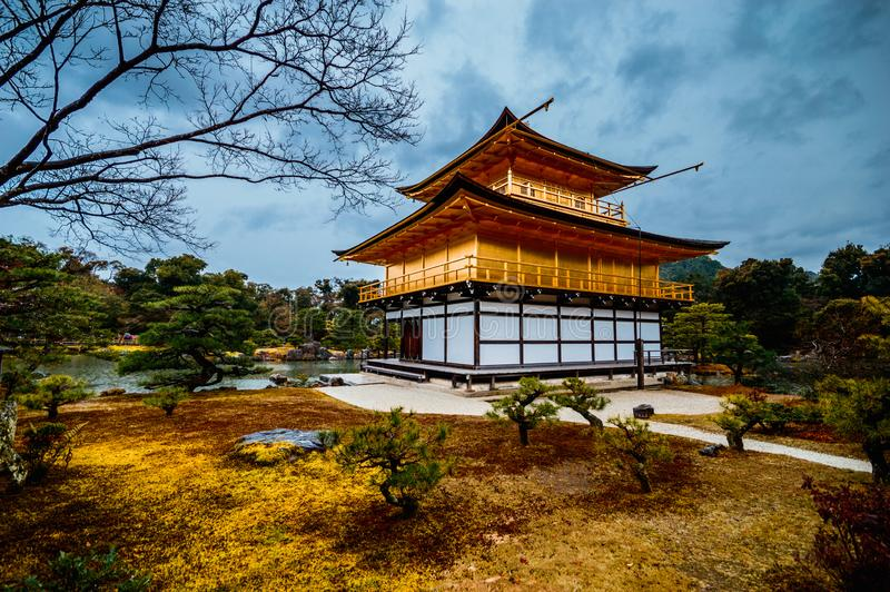 Goldener Pavillion Kinkakuji Tempel in Kyoto, Japan stockbild