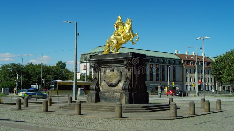 Goldener Reiter, goldener Kavalier, Reiterstatue von August das starke lizenzfreie stockfotografie