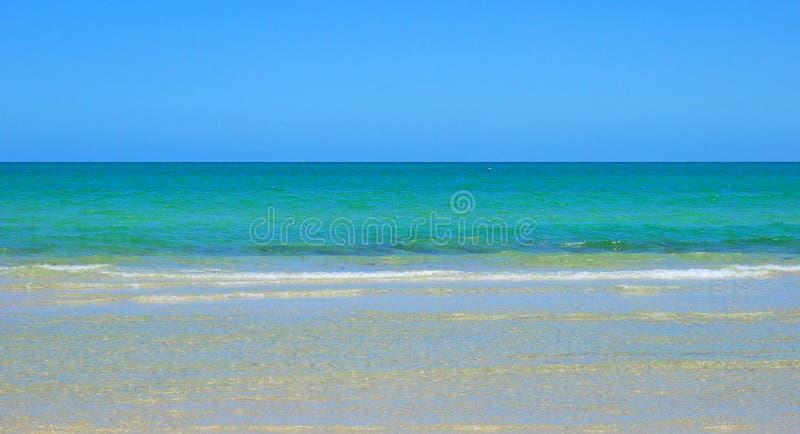 Goldener Sandstrand, genommen bei Tennyson, Süd-Australien lizenzfreie stockfotografie