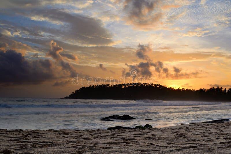 Goldener Sonnenuntergang stockfotos