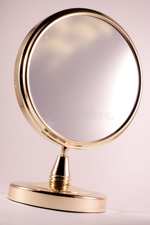 Goldener Spiegel lizenzfreies stockbild
