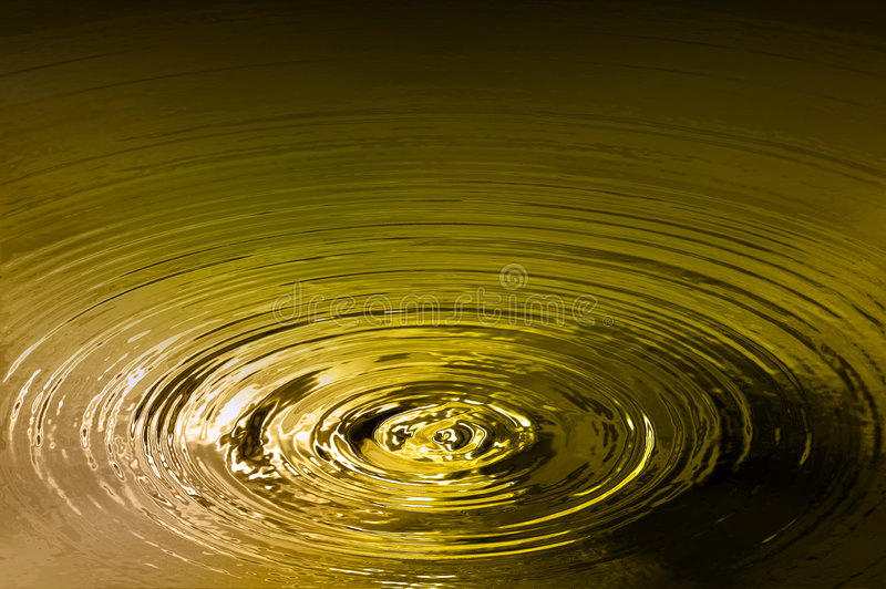 Goldener Teich lizenzfreies stockfoto