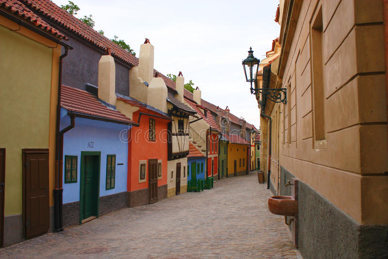 Goldener Weg in Prag lizenzfreies stockbild