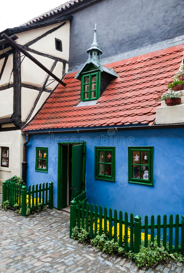 Goldener Weg wenig Haus, Prag lizenzfreies stockbild