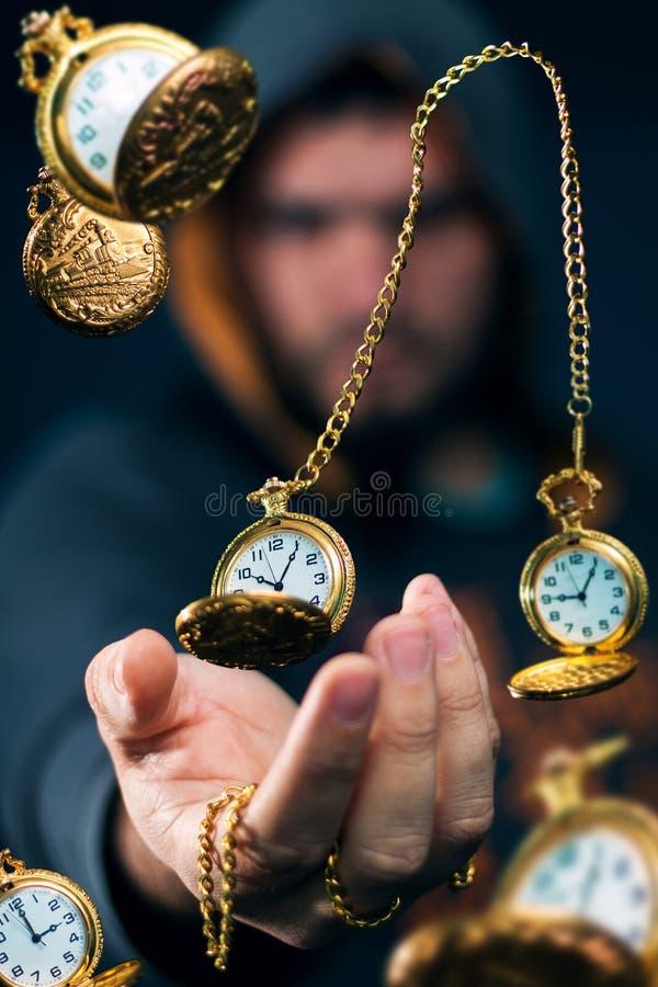 Goldener Zeitreisender stockfoto