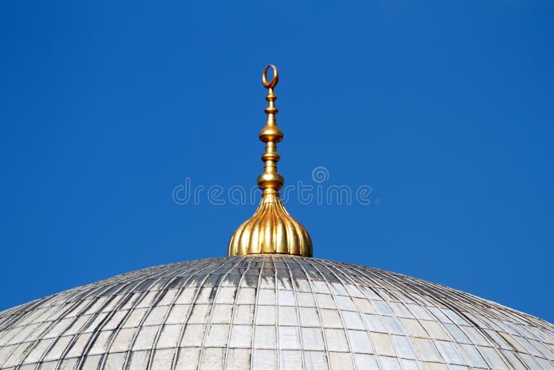 Download Goldenes Alem Oben Auf Die Moscheehauben In Istanbul Stockfoto - Bild von himmel, konstantinopolis: 26359412