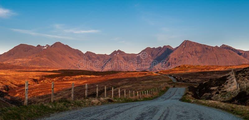 Goldenes Licht auf dem Cuillins, Skye stockbild