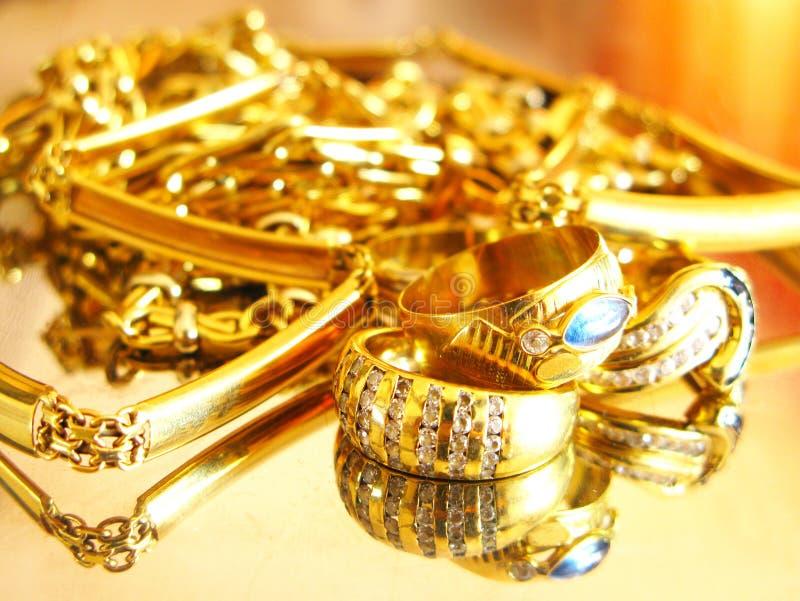 Goldjuwelen stockfotos