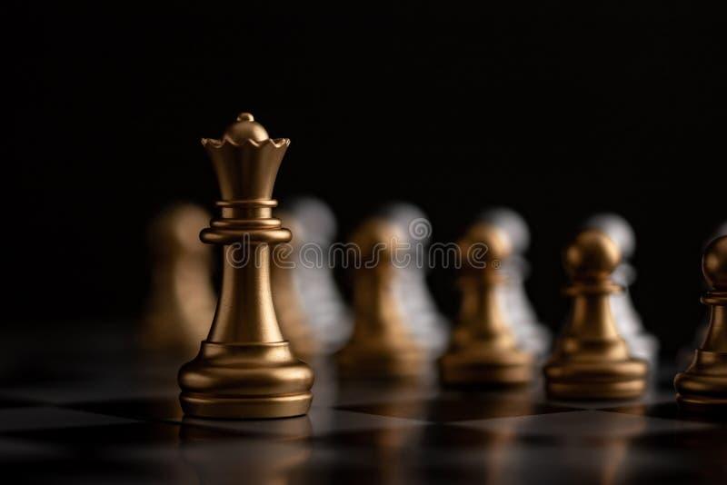 Goldkönigin ist- der Führer stockfotos