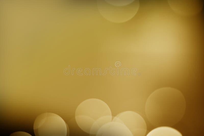 Goldlicht mit schwarzem Hintergrund stockfoto