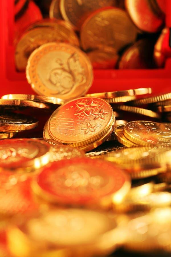 Download Goldmünze stockfoto. Bild von gold, schuß, gruppe, investition - 26360796