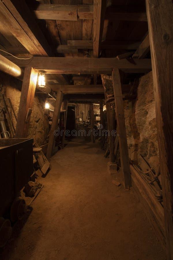 Goldmine wnętrze, stara kopalnia zdjęcie stock