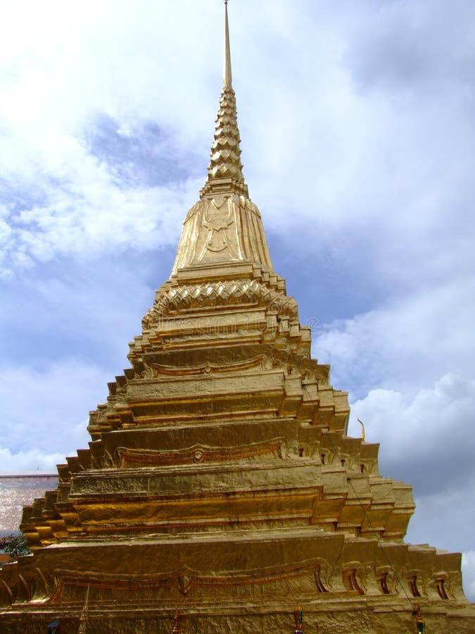 Goldtempel im großartigen Palast, Bangkok, Thailand stockfotografie