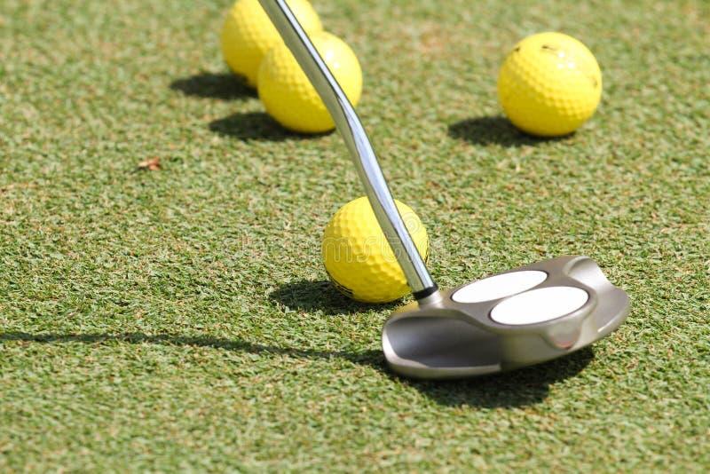 Golfövning royaltyfri foto