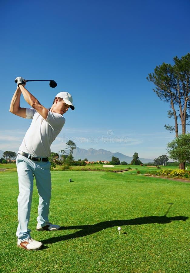 Golf-Antrieb lizenzfreie stockfotografie
