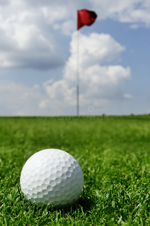 Free Golf Ball And Flag Stock Photography - 1011352