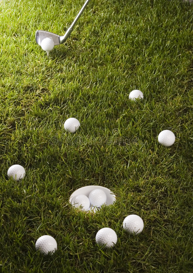 Download Golf, driver e sfera immagine stock. Immagine di ricreazione - 7317377