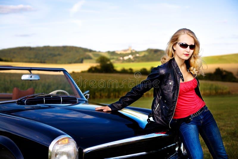 Golf i klasyczny samochód zdjęcie royalty free