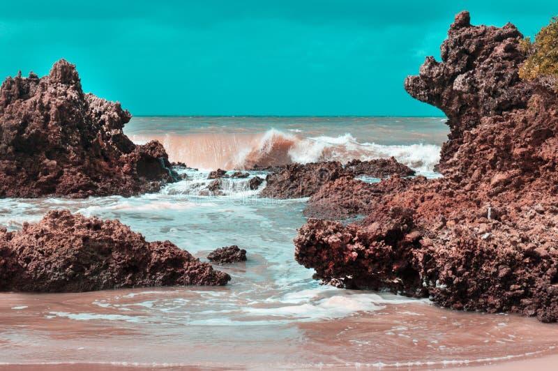 Golf op de blauwe hemel van de strand zonnige dag royalty-vrije stock fotografie
